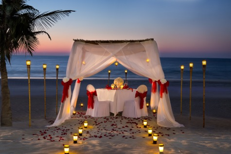 private_beach_dinner-at-zanzi-bar