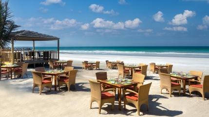 zanzi_bar_beach