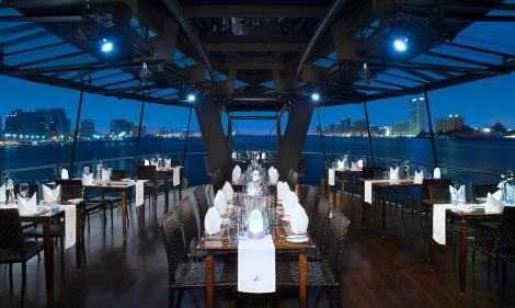 Bateaux-Dubai-Prestige-lounge.jpg