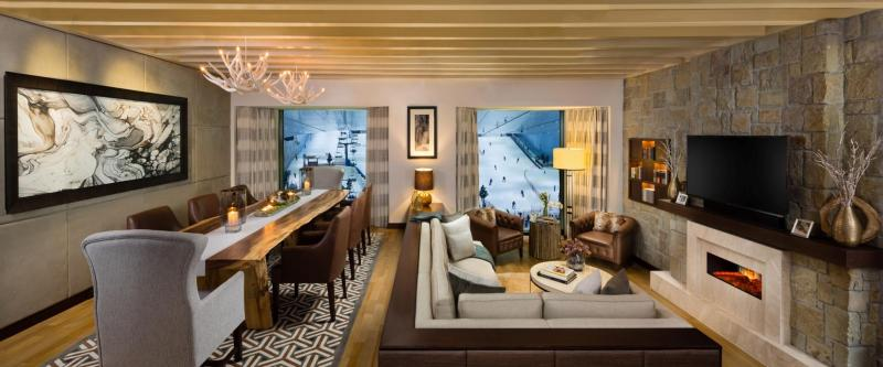 ski-chalet-living-room-wide