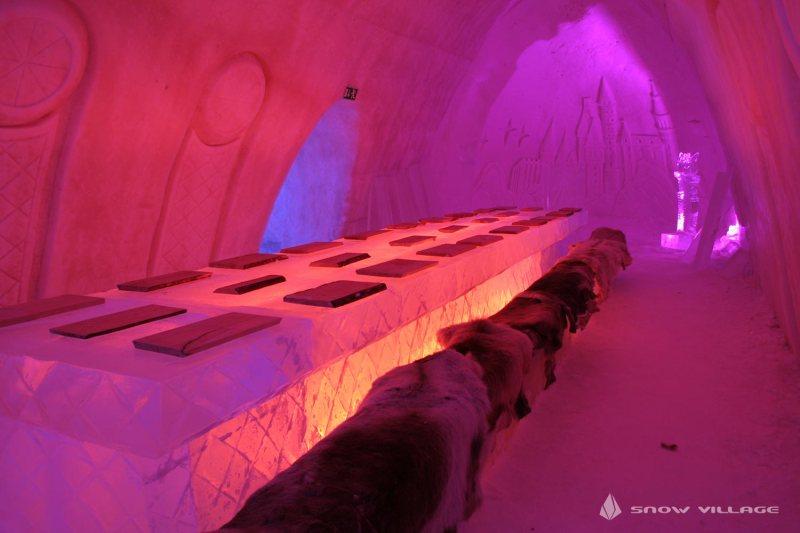 ice-restaurant1-snowvillage-lainio2011